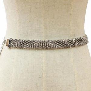 Silver Tone Metal Mesh Flower Pattern Woman Belt